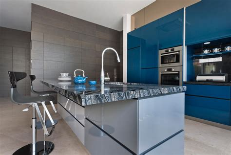 ways  inject bold colours   kitchen home decor singapore