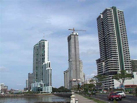 Avenida Balboa with the Hotel Miramar, Panama
