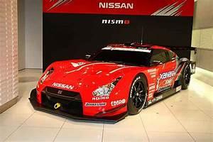 Nissan Alte Modelle : der neue nissan gt r f hrt bei super gt meisterschaft auto ~ Yasmunasinghe.com Haus und Dekorationen