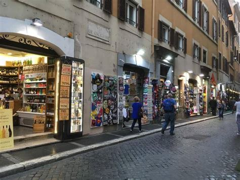 Genius Copridivano Negozi Roma :  Stop A Minimarket, Negozi-suk E