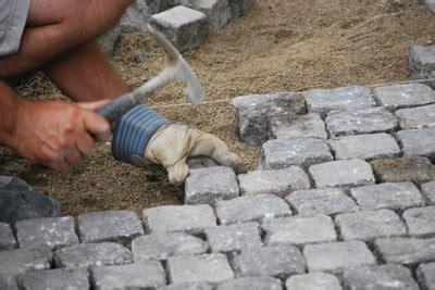 selber pflastern anleitungen granit pflastersteine selber im hof verlegen so geht s