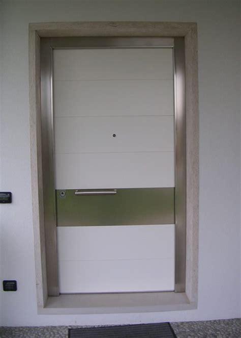 porte d ingresso in alluminio e vetro portoncino modello belgrado realizzazione porte