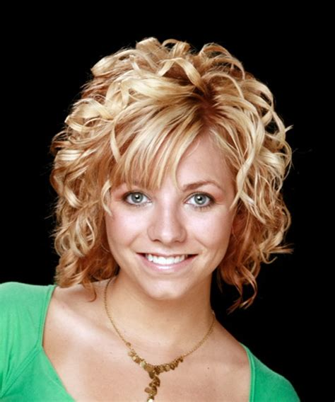 hairstyles for medium length curly hair