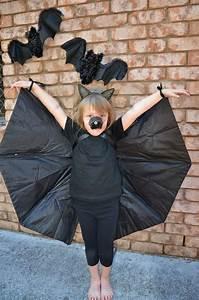 Schnelle Einfache Verkleidung : halloween kostueme selber machen fledermaus fluegel regenschirm schwarz halloween pinterest ~ Bigdaddyawards.com Haus und Dekorationen