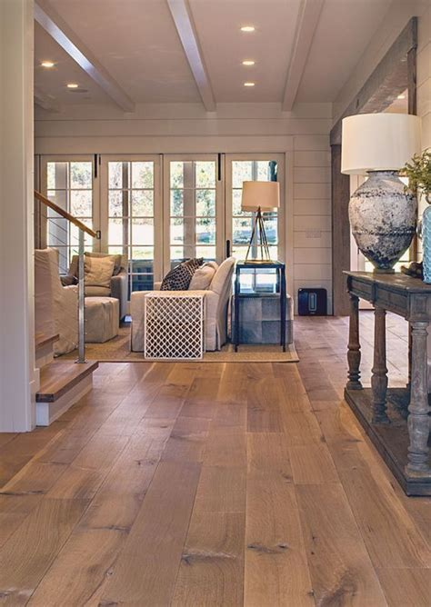 Living Room Designs With Oak Flooring by 31 Hardwood Flooring Ideas With Pros And Cons Digsdigs