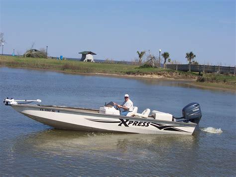 Xpress Boats Bass by 24ft Xpress Aluminum Bay Bass Boat The Hull