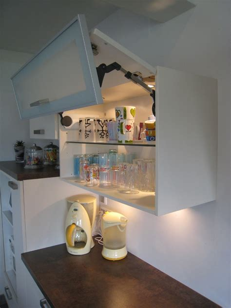 livraison cuisine ikea meuble haut cuisine vitre