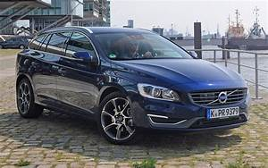 2014 Volvo V60 Ocean Race - Wallpapers and HD Images Car