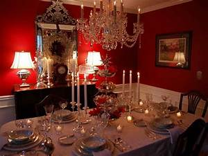 Decoration christmas dining room table decorations for Christmas dining room table centerpieces