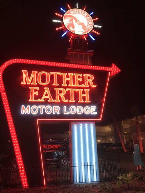 mother earth motor lodge     cleanest