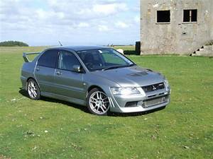 2002 Mitsubishi Lancer Evolution - Pictures
