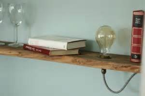 Nachttischlampe Selber Bauen : vintage lampen im holzregal diy anleitung ideen shop ~ Markanthonyermac.com Haus und Dekorationen