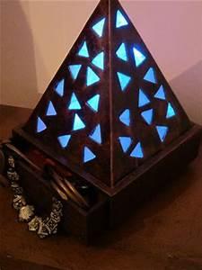 Objet En Carton Facile A Faire : fabriquer une lampe en carton cartonrecup ~ Melissatoandfro.com Idées de Décoration
