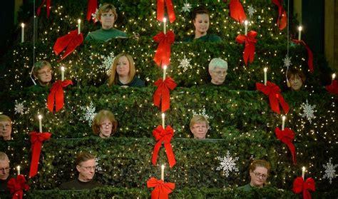 mt prospect church choir performs   christmas tree