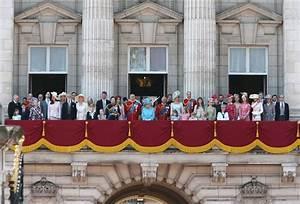 Actualité Famille Royale : la famille royale britannique au trooping the colour 2018 noblesse royaut s ~ Medecine-chirurgie-esthetiques.com Avis de Voitures