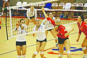 SFU women's volleyball loses in five sets to Concordia ...