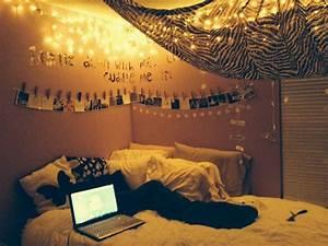 Tumblr Zimmer Lichterketten : 40 pictures that prove fairy lights make the world a prettier place ~ Eleganceandgraceweddings.com Haus und Dekorationen