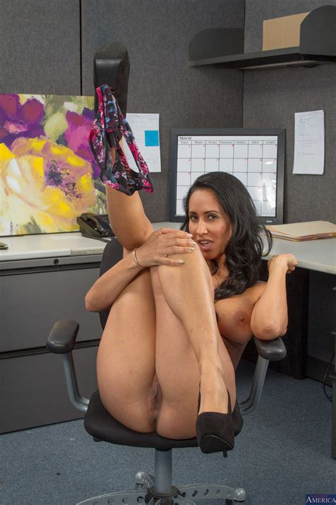 Isis Love Is Fucking Her Office Colleague Milf Fox