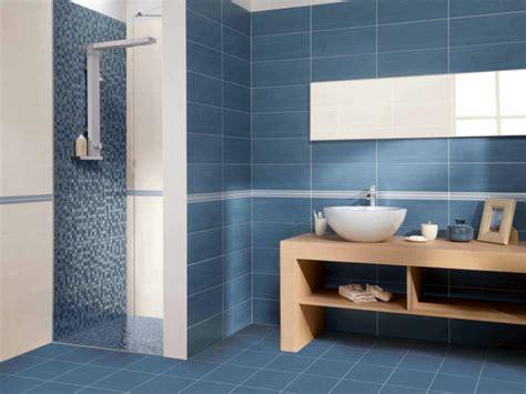 Moderne Badezimmer Blau by Blaue Fliesen Frs Badezimmer 25 Moderne Beispiele Fliesen