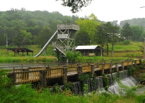 The Hillbilly Theme Park That Lies In Ruin