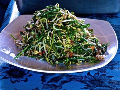 vegetarian recipe  indonesian sayur urap salad