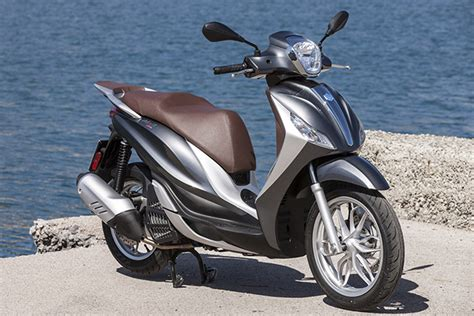 Piaggio Mp3 Business Backgrounds by Piaggio Medley 125cc Ride
