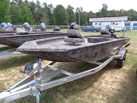 Xpress Duck Boat Seats by Xpress Hd16 Db Boats For Sale