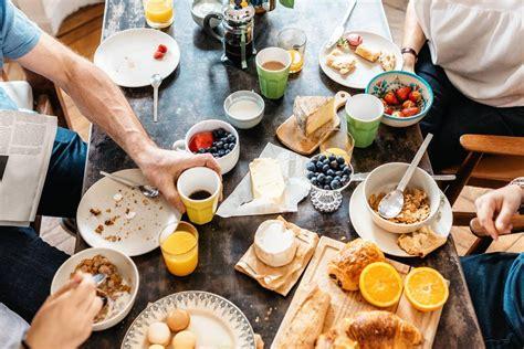 cuisine entre amis brunch entre amis 5 idées originales pratique fr