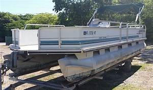 Sun Tracker Party Barge Pontoon Boat 1993 for sale for ...