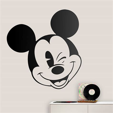 Wandtattoo Kinderzimmer Mickey Mouse by Wandtattoo Kinder Mickey Mouse Zwinkert Das Auge