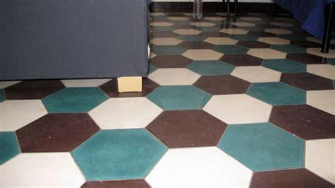 pavimenti anni 30 pavimenti anni 30 bruni caldi e geometrici