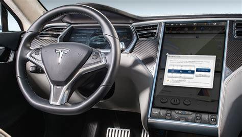50+ Tesla Car Parks Itself Pics
