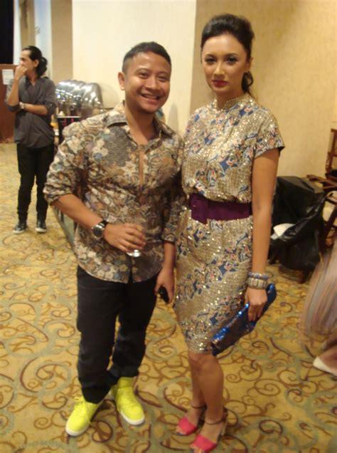 backstage images batik danar hadi  fashion show