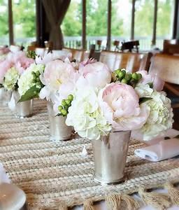 weisse blumen tisch deko hochzeit ideen hochzeit With wedding shower centerpieces for tables