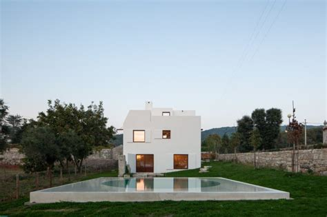 Art-inspired Home Sits As An 'abstract Sculpture' In