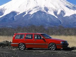 Volvo 850 R : volvo 850 r red color volvo 850 v70 classic pinterest volvo 850 volvo and volvo cars ~ Medecine-chirurgie-esthetiques.com Avis de Voitures