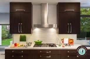 white kitchen white backsplash wavy backsplash 39 s condo