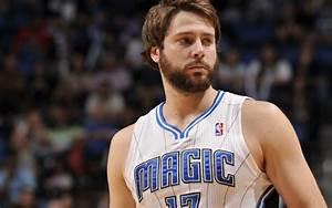 Bobcats swap Hakim Warrick for Magic's Josh McRoberts ...