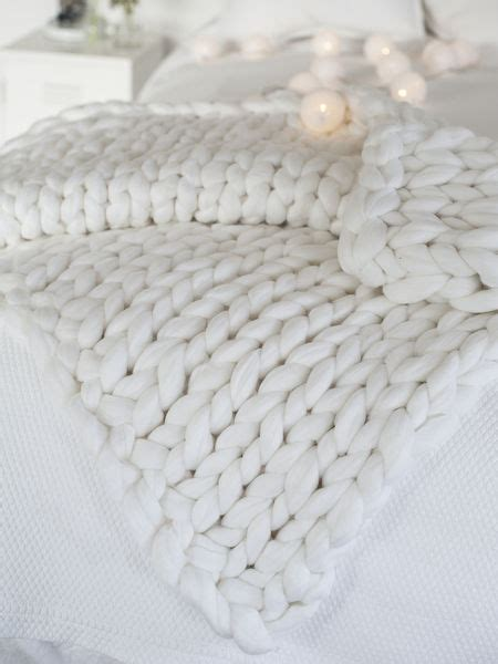 Super Chunky Knit Blanket   Winter White