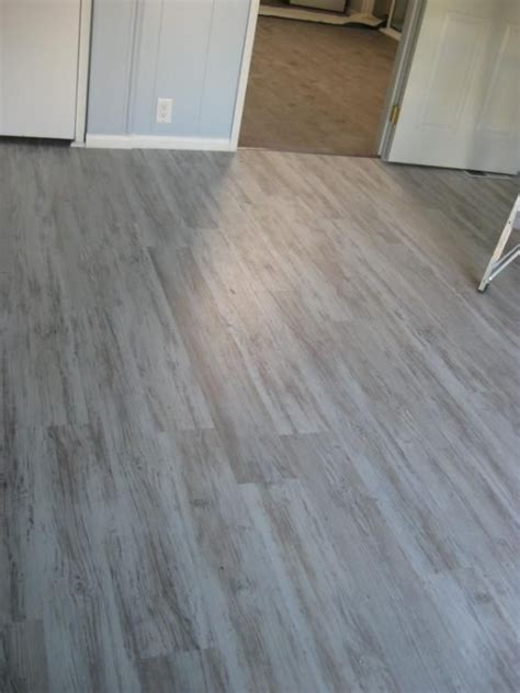 hardwood floors east bay 5mm grizzly bay oak click resilient vinyl tranquility lumber liquidators for the home