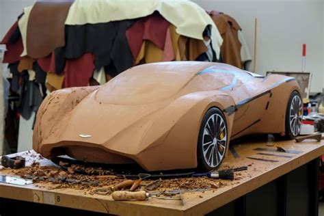 James Bond Car Firm Aston Martin Wants Trainees  To Make