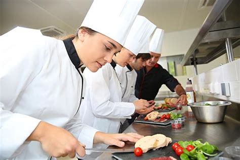 formation cuisine collective devenir cuisinier de collectivité salaire formation cap