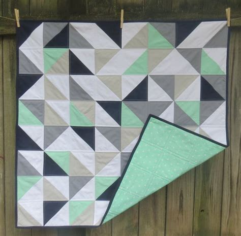 Navy White Quilt by 25 Best Ideas About Navy Quilt On Modern