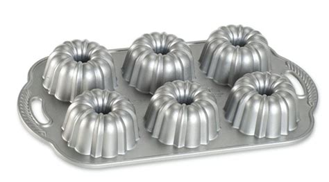 mini bundt pan mini lemon bundt cakes mini lemon bundtlette how to make bundtlette mini lemon glazed bundt cakes