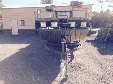 Grizzly 2072 Boat Only by 2016 Used Tracker Grizzly 2072 Mvx Sportsman Bass Boat For