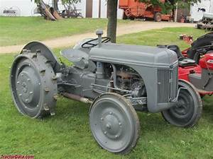 Ford 2n With Steel Wheels
