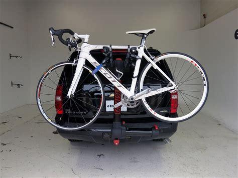 yakima 4 bike rack yakima fullswing 4 bike rack 2 quot hitches swinging