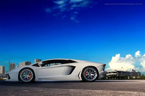 Aventador Rolling On Polished Hyper Forged Wheels