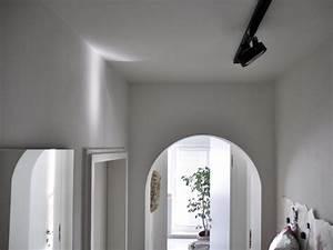 Lampe Langer Flur : lange flure gestalten langer inspiration flur teppich ~ Michelbontemps.com Haus und Dekorationen