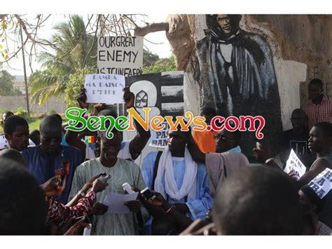 si鑒e union africaine caricature de serigne touba les étudiants vont saisir la justice française et l union africaine